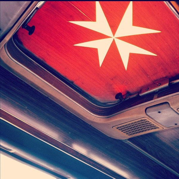 cruz de Malta classic bus