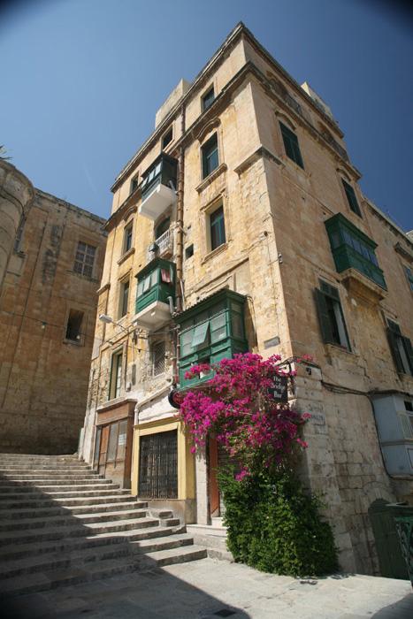 The bridge bar Valetta, Malta