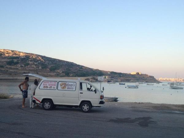 carro de donuts em Malta